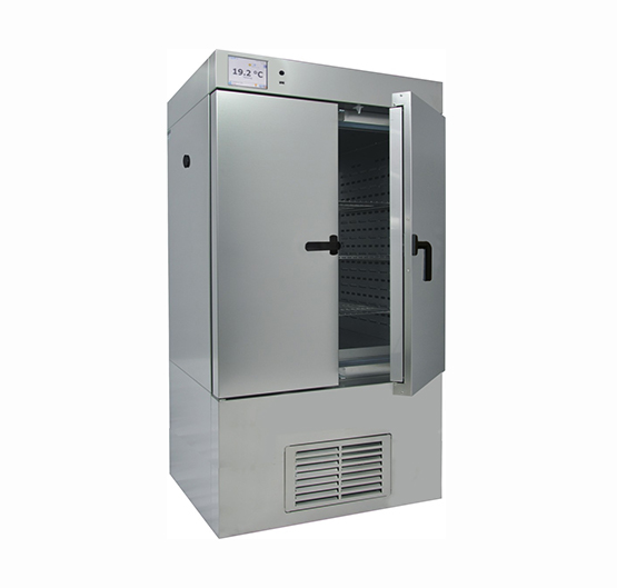 CLIMATIC CHAMBER WITH STEAM HUMIDIFIER 245L.