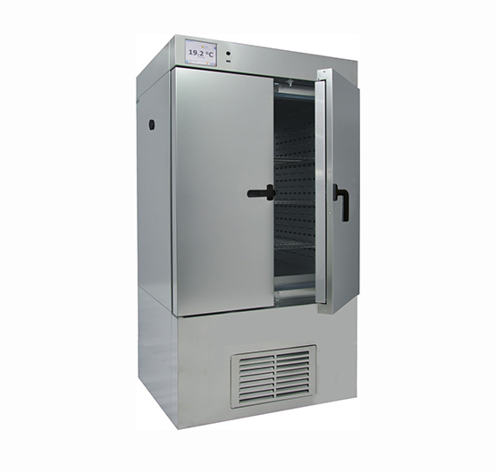 CLIMATIC CHAMBER WITH STEAM HUMIDIFIER 424L.